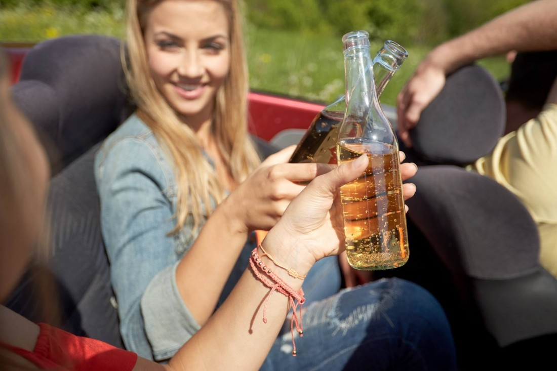 Can Passengers Drink Alcohol in a Car? - drinking_and_driving